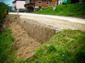 Utrjevanje cestne bankine