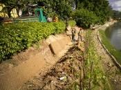 Zasipavanje bodoče zelene škarpe z zemljo